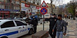 Koronavirüs Önlemleri: Bankta Oturan Kardeşlere Önce Para Cezası Sonra Gözaltı