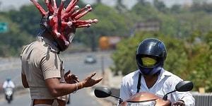 Hindistan'da Polis, İnsanlar Olayın Ciddiyetinin Farkına Varsın Diye Koronavirüs Kıyafeti Giyiyor