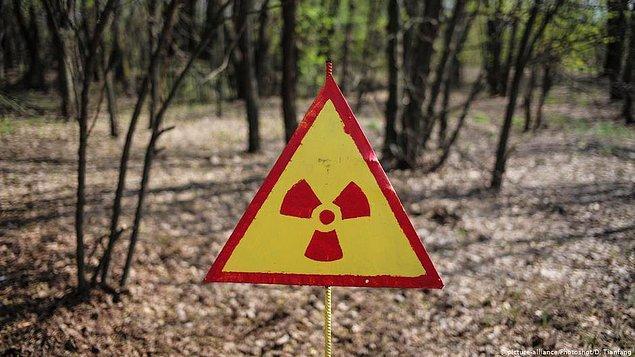 1986 yılında yaşanan patlama sonucu dünyanın en büyük nükleer faciasına neden olan Çernobil Nükleer Santrali, Kasım 2016'da dev çelik bir kemerle kaplatılarak önlem alınmıştı.