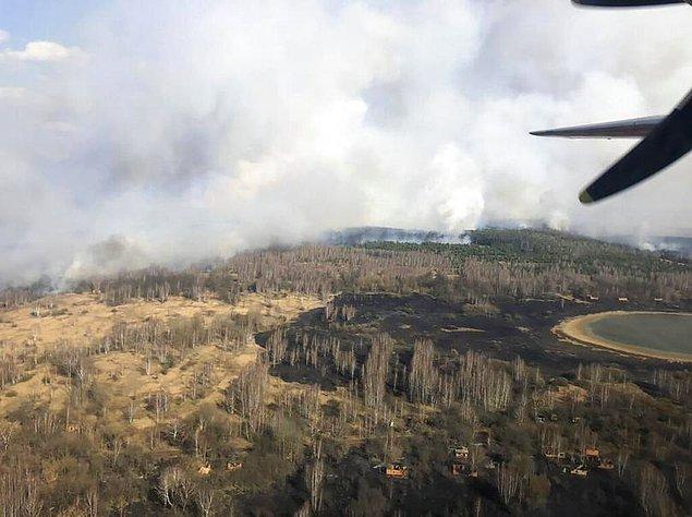 Erişilmesi mümkün olmayan yerler içinse yangın söndürme uçakları devreye girdi.