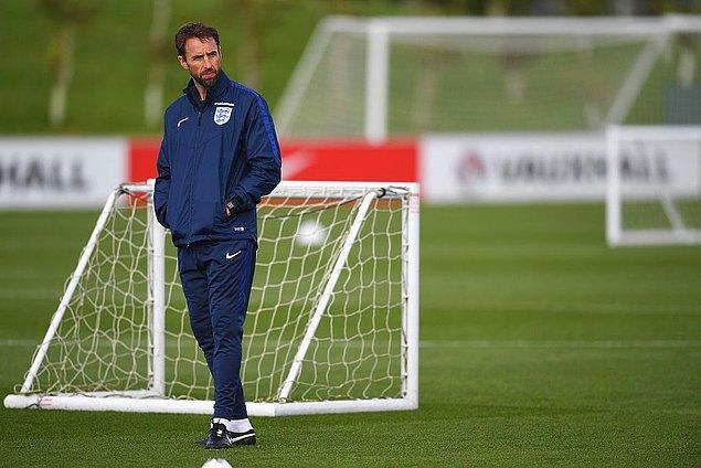 8. İngiltere milli takımının teknik direktörü Gareth Southgate, maaşında yüzde 30'luk indirim yapılmasını kabul etti.
