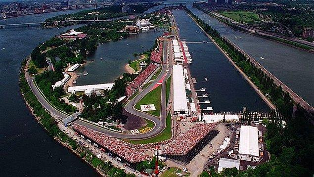 1. Formula 1 Dünya Şampiyonası'nda yeni tip koronavirüs (Kovid-19) salgını nedeniyle Kanada etabı da ertelendi.