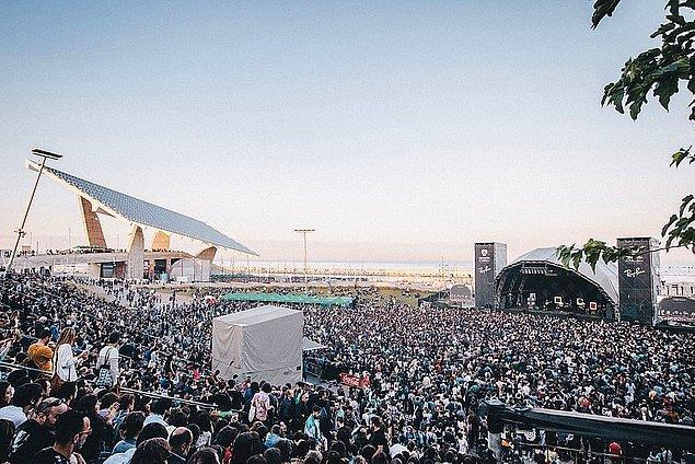 5. Barselona'nın ünlü müzik buluşması, Primavera Sound Haziran ayının başından, Ağustos sonuna ertelendi. Şimdilik bilet satışları da şimdilik durduruldu.