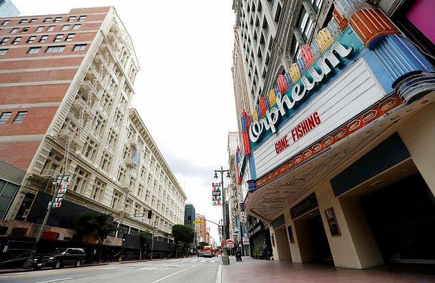 İlk aşamada restoran ve sinemalar açılacak