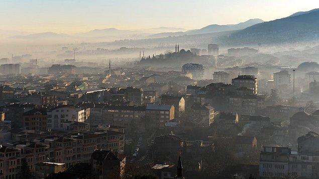 Mart ve Nisan'da en yüksek hava kirliliği Kartal, Ümraniye ve Kadıköy istasyonlarında ölçüldü.