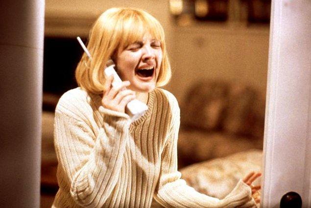 """7. """"Erkek arkadaşımın beni aldattığını öğrendikten 2 ay sonra evlendiğini öğrendim."""""""