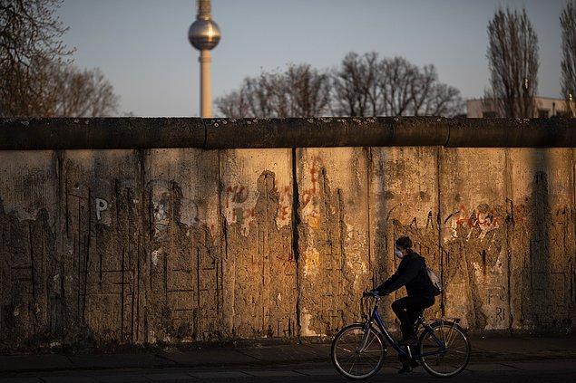 Almanya'da 215 kişi daha yaşamını yitirdi