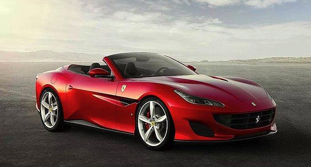 Bin liralık yardım için başvuru yapan kişinin üzerinde 1.5 milyon liralık Ferrari araba olduğu ortaya çıktı.