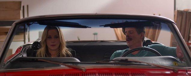 Jen ise bu arabaya sahip olan herkesin listesini çıkartarak kapı kapı gezmeye başlamıştı.