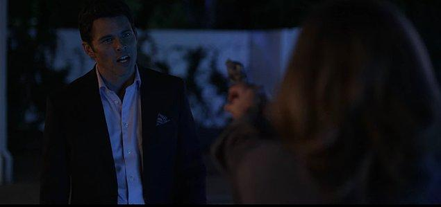 Olanlardan habersiz olan Steve, Jen'in evine gelmiş  ama Jen her şeyi bildiğini ve evinden gitmesi gerektiğini söyleyince olanlar olmuştu!