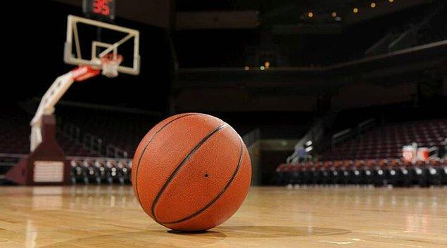 3. Türkiye Basketbol Federasyonu, koronavirüs salgını nedeniyle askıya alınan liglerle ilgili önümüzdeki günlerde kararlarını vereceklerini belirtti.