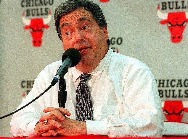 """Belgesel-mini diziyi izlerken Chicago Bulls'un yönetimini de yakından tanıyoruz. Burada çok önemli bir isim yer alıyor: Jerry """"Jerome"""" Krause."""
