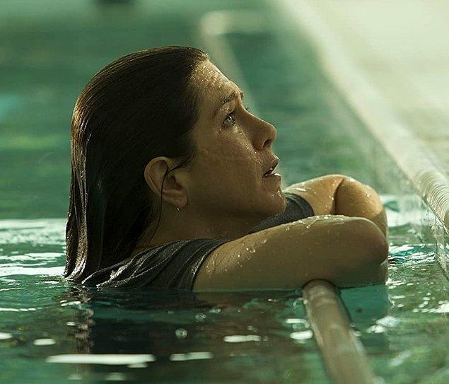 8. Jennifer Aniston - Su altında durma korkusu ('Cake')