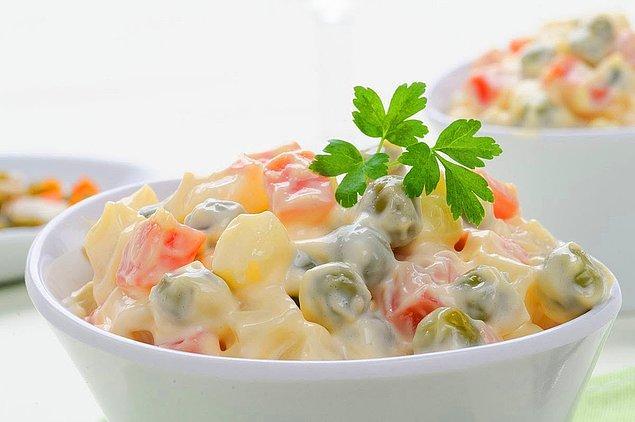 7. Şipşak hazırlayabileceğiniz: Rus Salatası