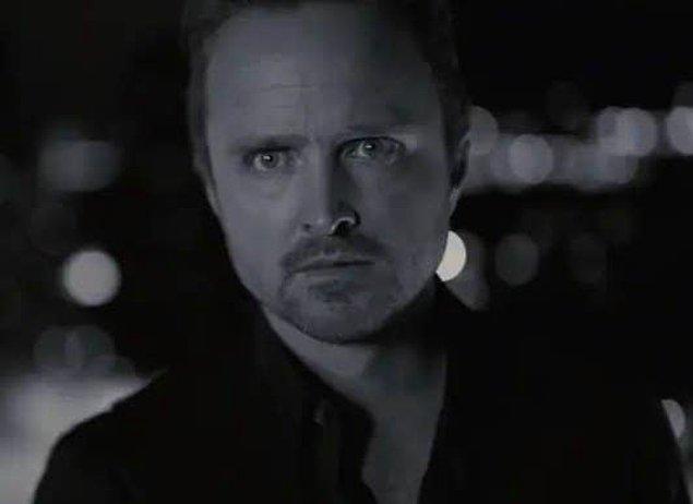 19. Caleb'in sıradışı yolculuğu sırasında karakter farklı film türlerini deneyimliyor: kara film, aksiyon, suç ve korku.