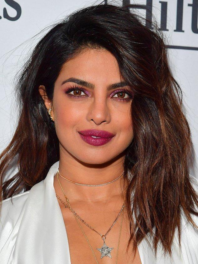 37 yaşındaki Hintli oyuncu Priyanka Chopra'nın, kendinden 10 yaş küçük Nick Jonas ile evlenmesi gündeme oturmuştu.