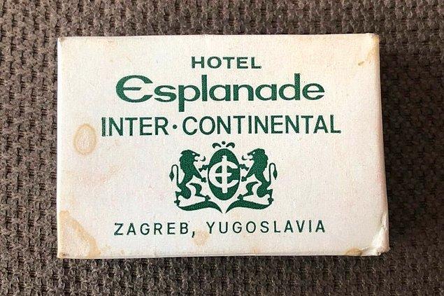 """9. """"Evimi toparlarken, şu an var olmayan bir ülkeye ait bir otel sabunu buldum."""""""