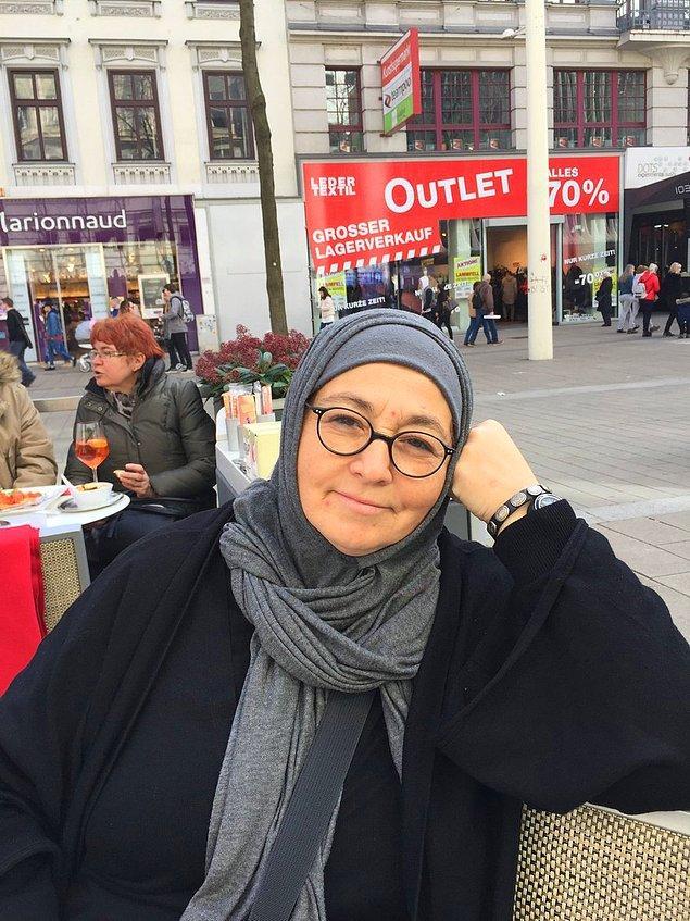 """Sevda Noyan, elinde """"zarar verilecek kişiler"""" listesi olduğunu iddia edince, kendisinin kim olduğu internette en çok aratılan konulardan biri oldu."""