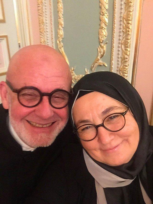 Sevda Noyan, tiyatrocu Engin Noyan'ın eşi. Engin Noyan, İstanbul Alman Lisesi ve Viyana Üniversitesi Felsefe Fakültesi Tiyatro Bilimi Enstitüsünde eğitimini tamamladı. Ülkemizde daha çok müzik sanatçısı olarak bilinir Engin Noyan.