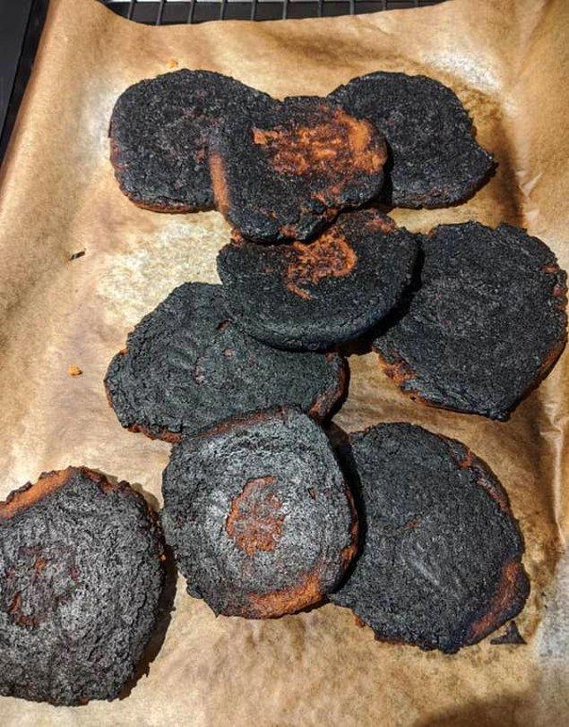 10. Kurabiyelerin pişirme süresini biraz abartmak...