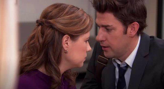 13. Evli çiftlerin onları rahatsız eden şeyler hakkında konuşmaması ve sonrasında büyük bir kavgaya sürüklenmesi.