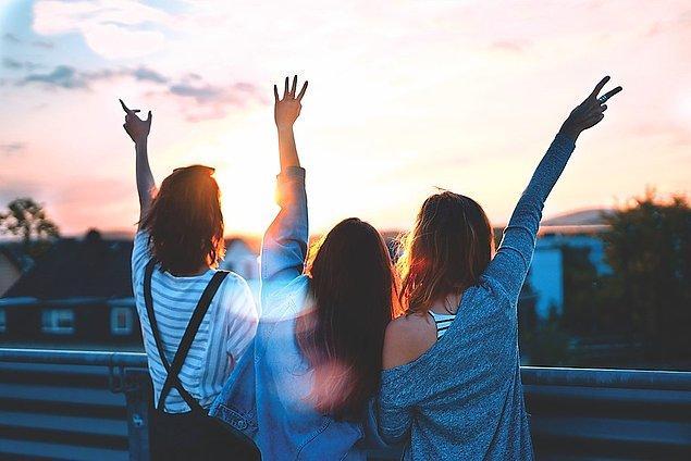 En yakın arkadaşlarının yanına gitmelisin!