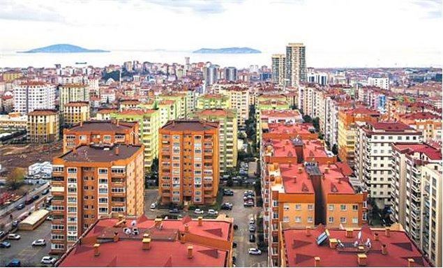Uzun lafın kısası asgari ücretin her yerde aynı olduğu ülkede şartlar hiç eşit değil... İstanbul'dan ev almak isteyen biri en az 500-600 bin TL'yi gözden çıkarmak zorunda. Bu da kolayca ödenebilecek bir para değil.