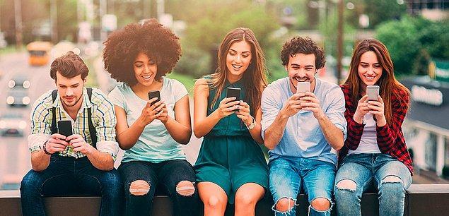 Belki internetin gitmesiyle kafalarımızı ekranlardan kaldırıp biraz birbirimizin yüzüne bakardık.