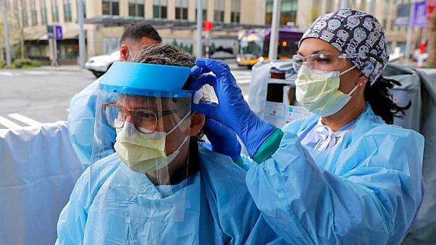 Özellikle son aylarda hem ülkemizde hem de dünyada sağlık çalışanları oldukça zor günler yaşıyor.
