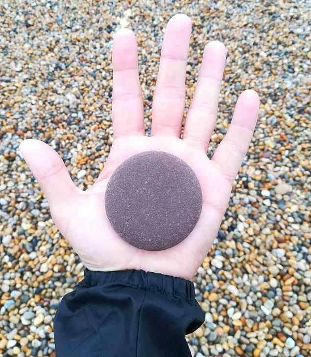 3. Kusursuz bir daire şekline sahip bu taş: