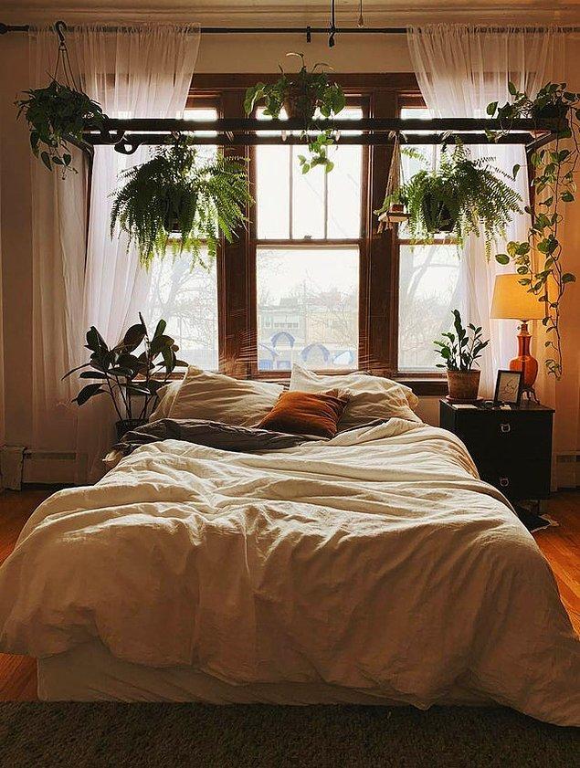 Yatağın çevresini çiçeklerle donatma fikri çok mantıklı değil mi?
