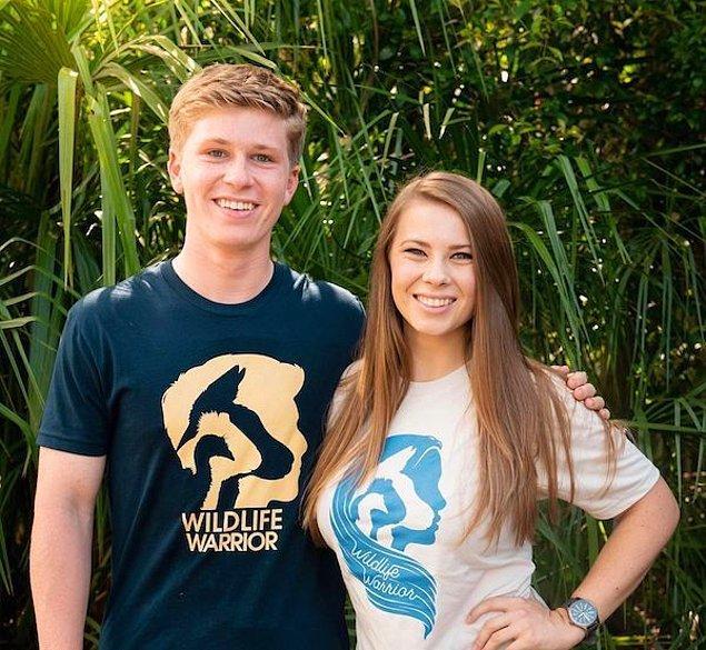 8. Steve Irwin'in oğlu Robert ve kızı Bindi Irwin