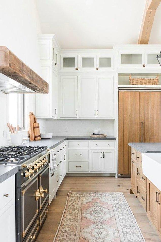 4. Kaç dolabı var bu mutfağın?