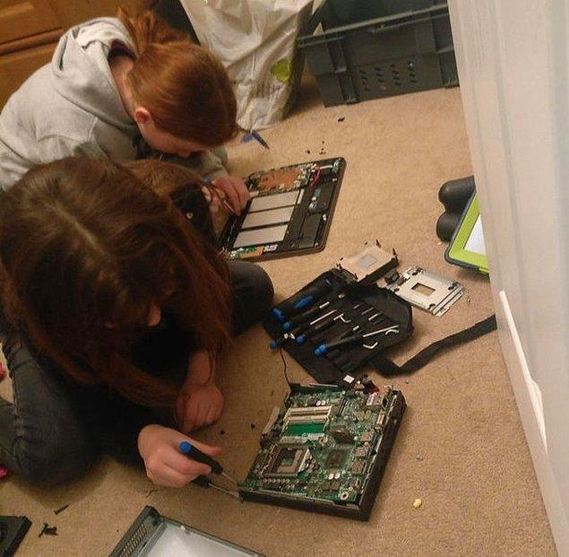 """17. """"Sıkıldıklarını söylediler, ben de bilgisayarı parçalarına ayırıp yeniden yapmalarını söyledim. Geçirdiğim en sakin ve sessiz haftaydı."""""""