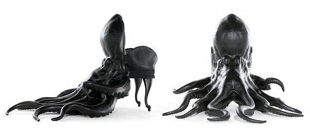 1. Hiç ahtapot şeklinde bir sandalye gördünüz mü? Tasarım, Maxima Riera tarafından yapılmış. Peki, oturmak ister misiniz bu sandalyeye? 😱