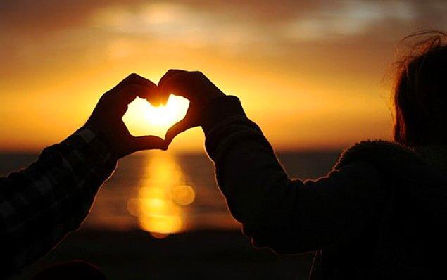 Herkesin aradığı aşk ve sevgi için: 888.412.1289018
