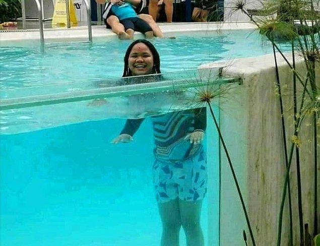 2. Havuza girince kafalar uçmuş.