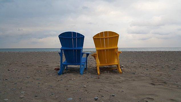 7. Sahil kasabalarının yazları genellikle sıcak ve eğlenceli, kışları ise serin ve sakin geçer.