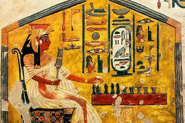 Ortaya çıktığına dair ilk bulgular Hindistan'da bulunmuş olmasına rağmen Antik Mısır dönemina ait bulgular da mevcuttur.
