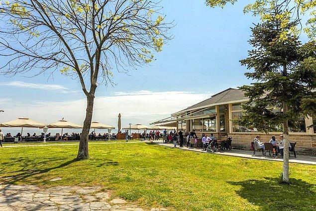 Cafe Romantika, Fenerbahçe
