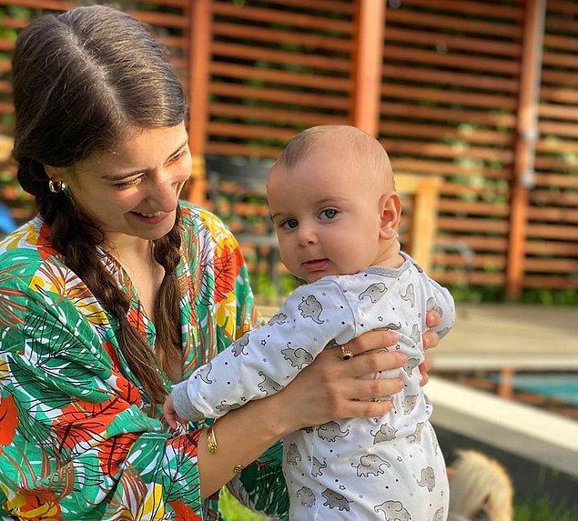 """Normalde """"Bebek kime benziyor?"""" sorusu bir tartışmaya dönüşürken, Fikret Ali bebeğin babasına benzediği tartışmasız şekilde kabul gördü..."""
