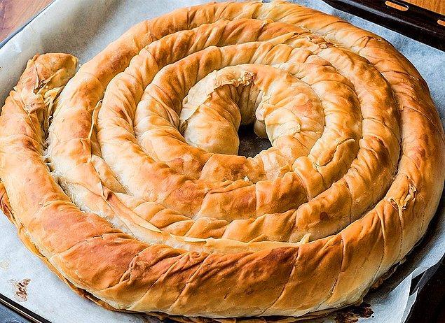 3. Her çeşidi ayrı güzel: Kıymalı Boşnak Böreği