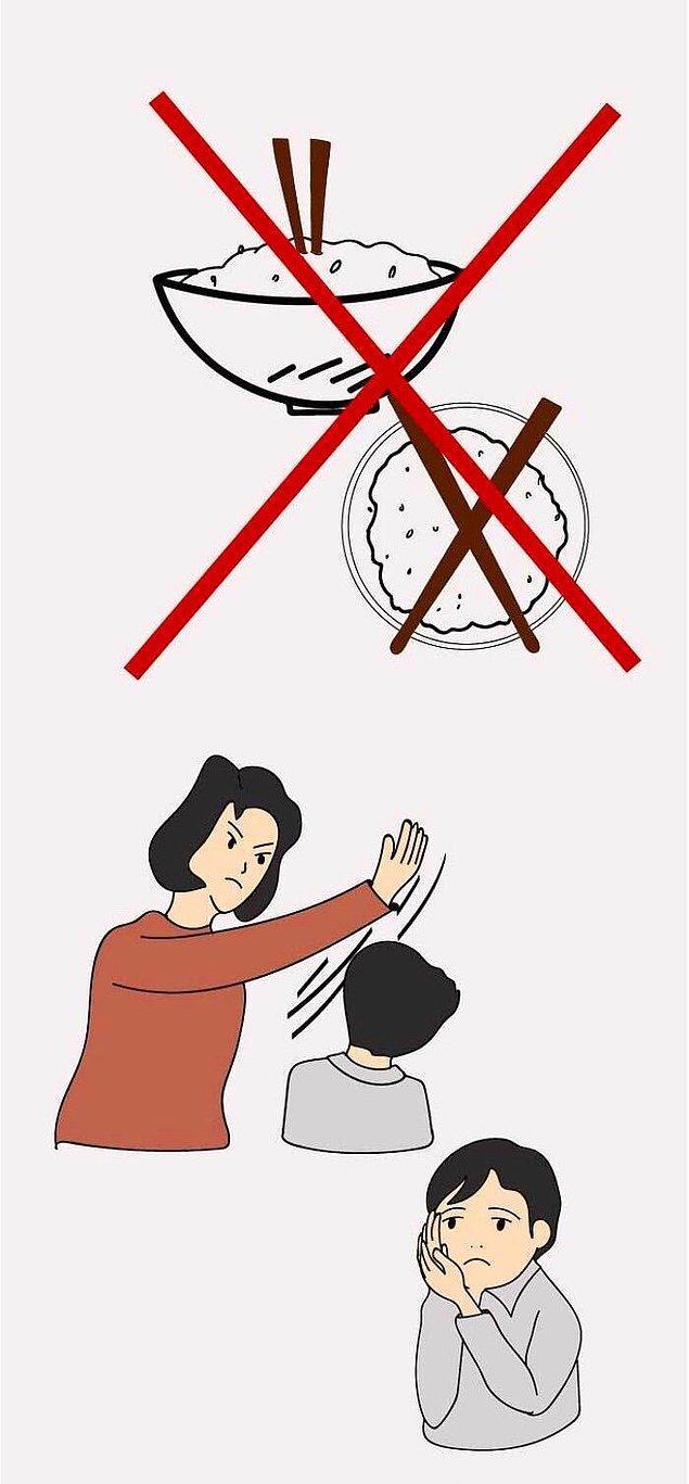 1. Yemeklere çubukları batırmak terbiyesizlik olarak kabul edilir.