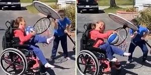 Engelli Kardeşinin Basket Atması İçin Potayı Eğen Mükemmel Çocuk