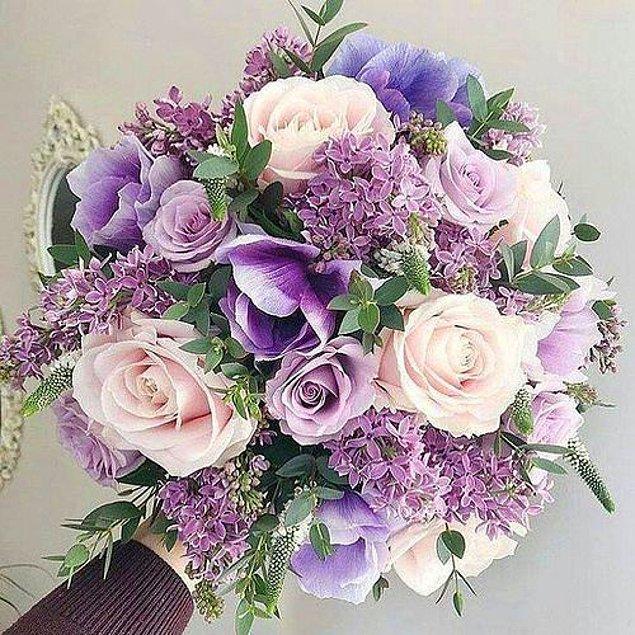2. Hatta gelin çiçeğinizi de bu tonlardan seçebilirsiniz.