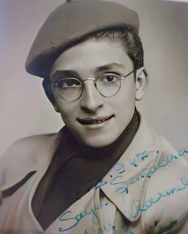 16. Türk müziğinin en kıymetli isimlerinden, 'keşke aramızda olsaydı' dediğimiz Zeki Müren, Bursa, 1947.