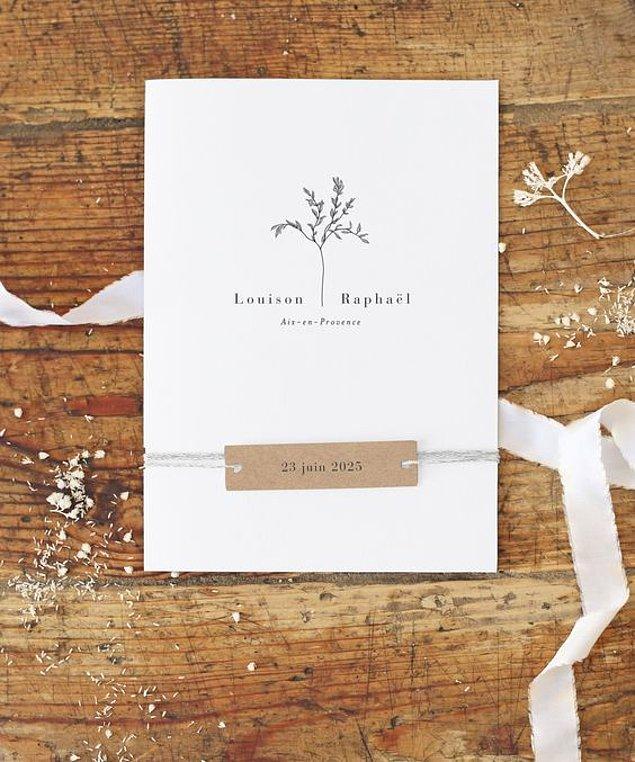 12. Beyaz düğün konseptine uygun bir davetiye :)