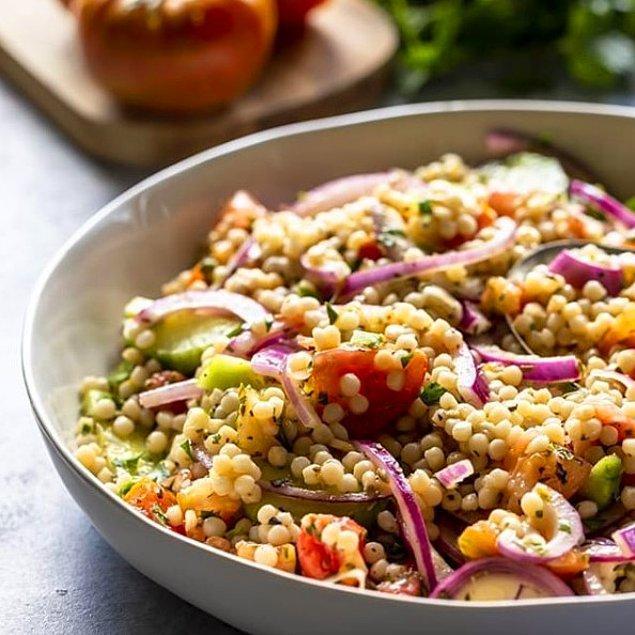 Kuskus Salatasının Hazırlanışı