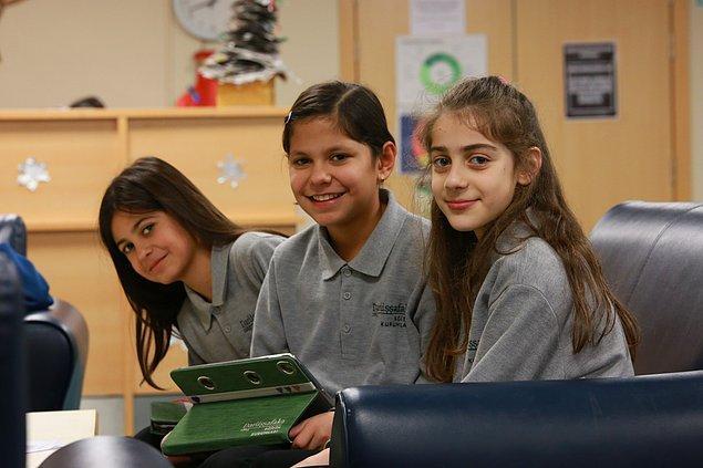 1863 yılından bu yana eğitimde fırsat eşitliği misyonuyla faaliyetlerini sürdüren Darüşşafaka'da bugün itibarıyla 1.000'e yakın öğrenci eğitimine devam ediyor.