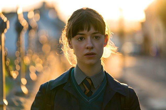 Romanın ve haliyle dizinin iki ana karakteri var: Marianne